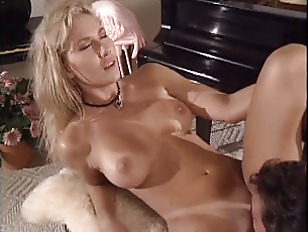 Порно онлайн трахнули чужую жену