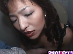 Порно с телкой короткой стрижкой