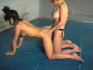 Lesbian wrestling   Asian vs W