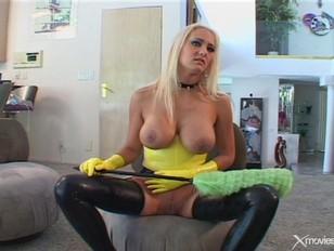 Порновидео девушки на раздевании