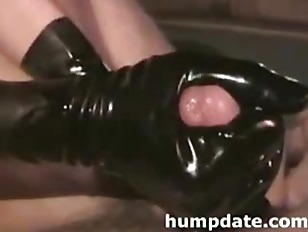 BF with big cock gets handjob with happy end