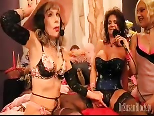 MILF Deauxma Squirts 27 Times