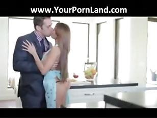 Порно молодых сисястых девушек