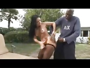 Муж уговорил жену трахнуться с другом