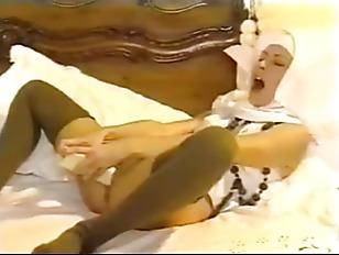 Picture MORE VINTAGE NUN SEX