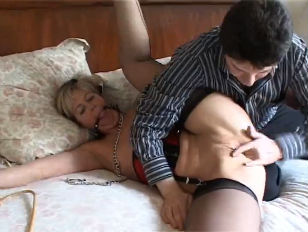 Picture British MILF Alex Loves To Play