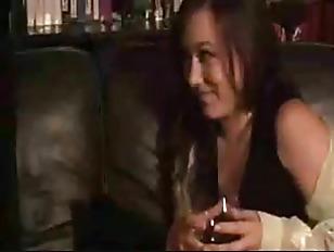 Парень лижет красивой девушке видео