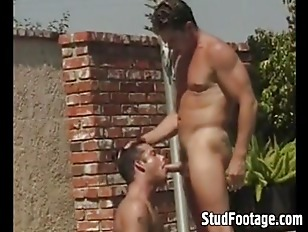 Two horny dudes sucking each o