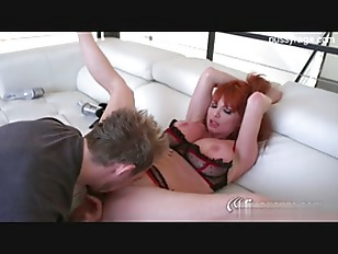 Picture Redhead Cougar Gets Her Pussy Worked Out