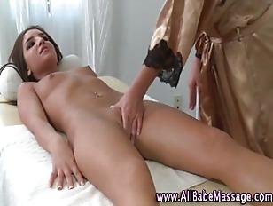 Lesbian masseuse babe fingerin
