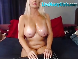 Picture Mature Granny Gives A Nasty Show