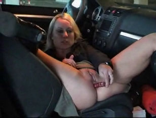 amateur sexy blond received bi