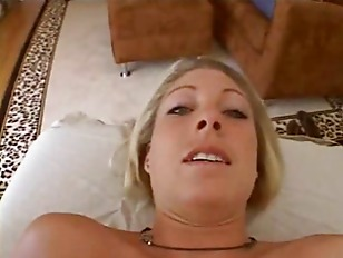 Picture Blonde Gets Special Massage
