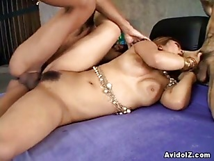 Hot japanese babe fuck in thre