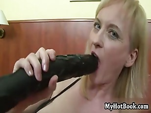 Picture Monik Is A Blonde MILF Whos So Hot And Bothe...