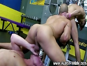 Pornstar Austin Wilde blowjob
