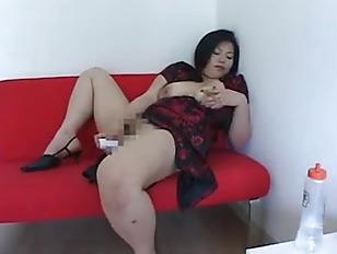 Порно хозяйка выебала служанку