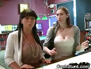 Amateur Girl Flashing Big Titt