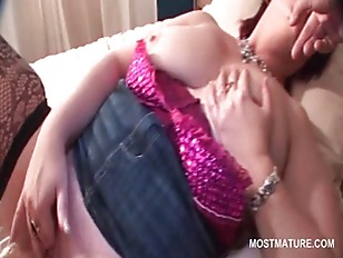 Mature redhead tramp playing w