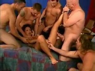 Сматреть порно бабка отжигает