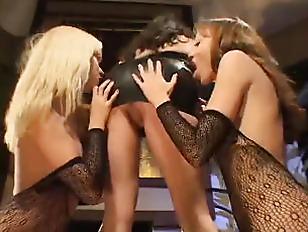 Горловой минет с блювотиной порно видео