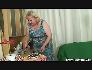 Wife sees huge mother in law r