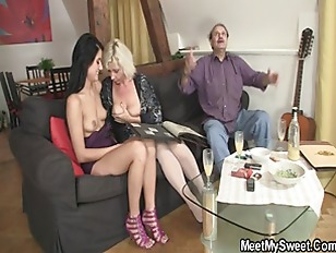 Picture He Finds His GF In Threesome With His Parent