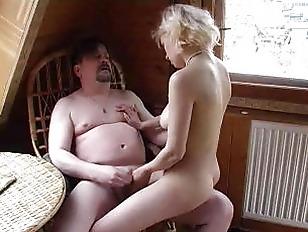 Порно на каблуках дойки