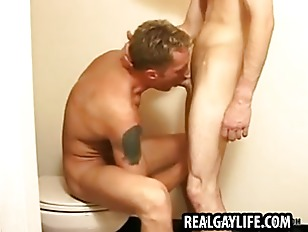 Stud sucking cock and getting