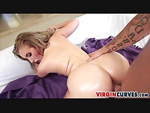 Picture Cute Blonde With Perfect Curves - Harley Jad...
