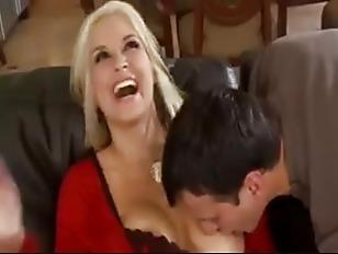 Порно видео порвали анал до крови