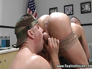 Militar commando gets ass lick
