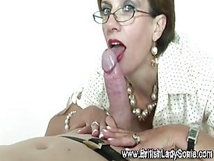 Mature stocking brit Sonia fem