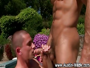 Check muscley pornstar Austin