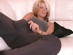 Pussy massage with dirty talk