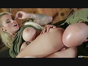 Видео секс с реалистическими секс куклами