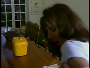 Видео девушки с волосатым анусом