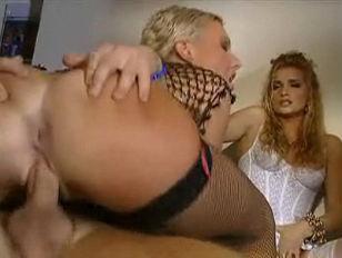 Секс с использованием насадок на член