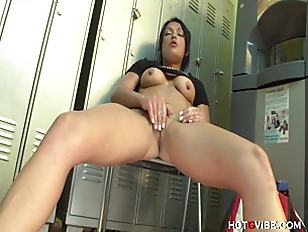 This Slut Squirts 3 Times