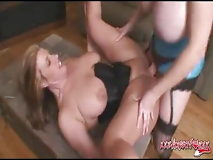 Picture Super Busty Amber Foxxx Fucks Zoey Andrews