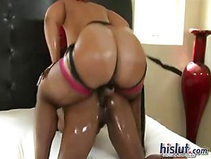 Pinky loves lesbian sex