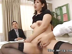 Муж подсматривает измену жены