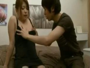 Порно девушки доводят мужчину лаская ему яйца и анус