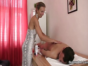 Granny masseuse gets her hairy