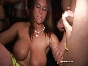 Порно уговорил на анал