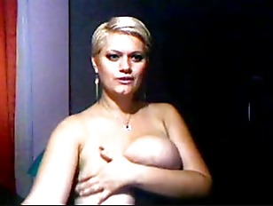 Curvy shorthaired blonde solo