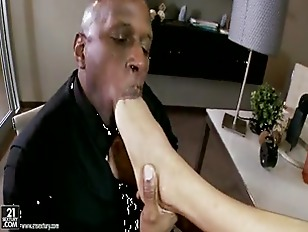 Picture Anissa Kate