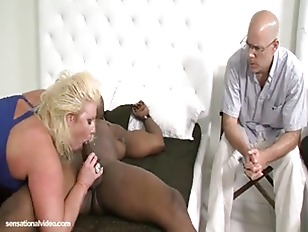 Picture Zoey Andrews Fucks The Plumper