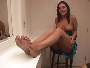 Picture Dude Loves To Kissd And Suck Feet