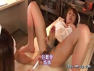 Девушки кушает из жопи